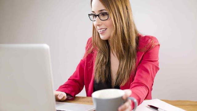 Los hombres prefieren mujeres inteligentes y con un buen trabajo