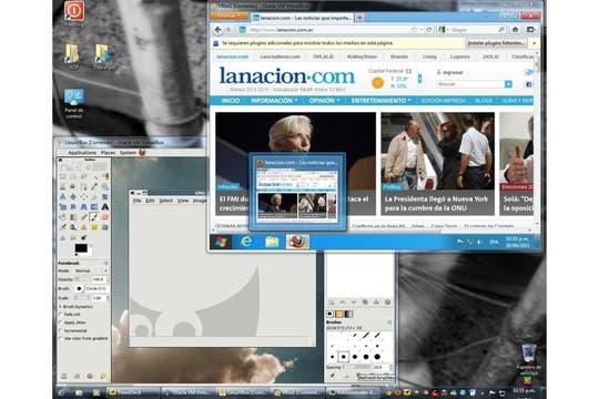 Windows 8 y Linux ejecutandose a la vez sobre un Windows 7, cada uno en su máquina virtual. Foto: LA NACION / Ariel Torres