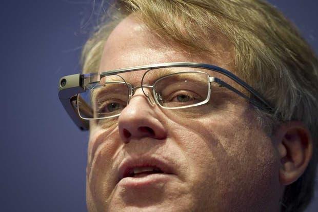 El bloguero Robert Scoble pone a prueba al Google Glass, los anteojos electrónicos que se encuentran aún en etapa de evaluación en un grupo reducido de desarrolladores y usuarios