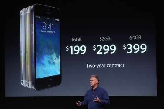 Los precios del iPhone 5S para Estados Unidos a partir del 20 de septiembre con un contrato de 2 años. Foto: AFP