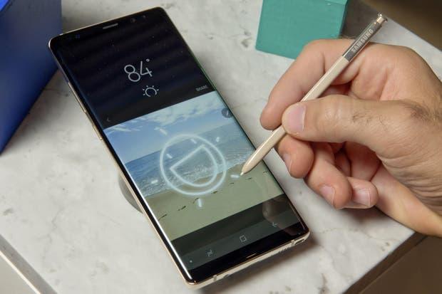 El Note8 tiene, como todos sus predecesores, un lápiz para escribir en pantalla