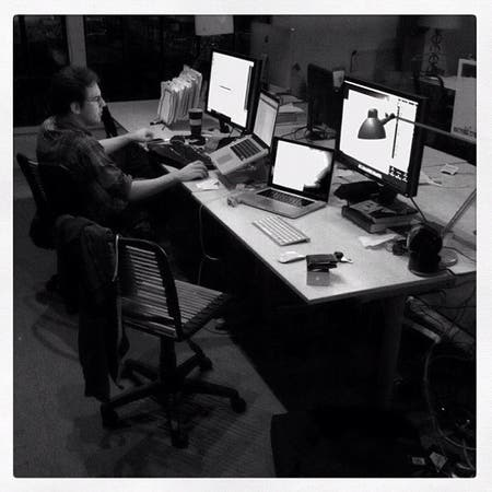 Mike Krieguer bajo la lente de Systrom, en el aniversario del primer año de Instagram