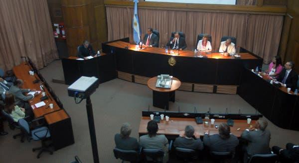 Tribunal Oral Federal 4  integrado por los Jueces María Sanmartino, Leopoldo Bruglia y Jorge Gorini. Foto: DyN