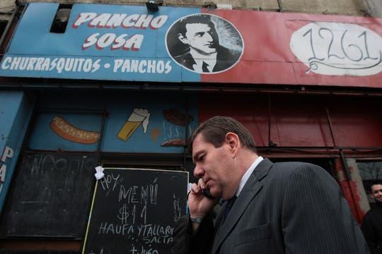El Ministro Montenegro estuvo presente en el control que se realizó en Avenida San Juan y Avenida Juan de Garay. Foto: LA NACION / Miguel Acevedo Riú