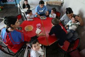 Un centro Conin que enseña a las madres a alimentar a sus hijos