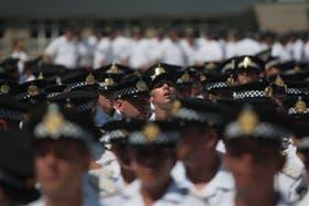 Los oficiales con experiencia que ingresan en la Policía Metropolitana tienen un sueldo de 7400 pesos