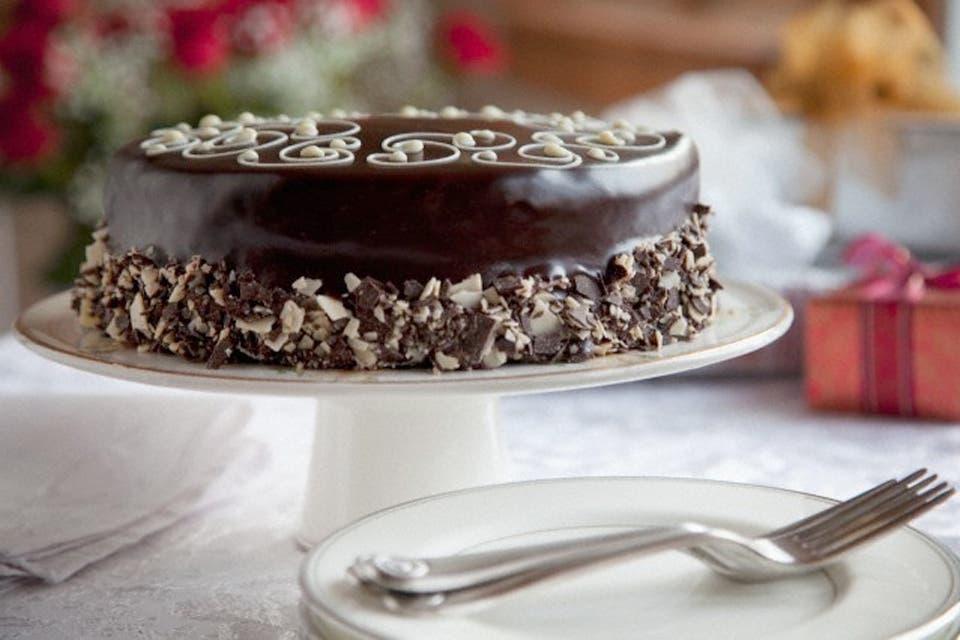 Lo ideal es servir un primer plato fresco, un segundo plato caliente y un postre. Foto:Archivo /Corbis