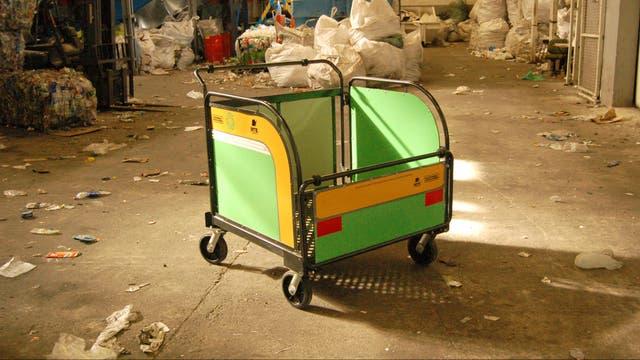 Carro plegable para la recolección de residuos urbanos