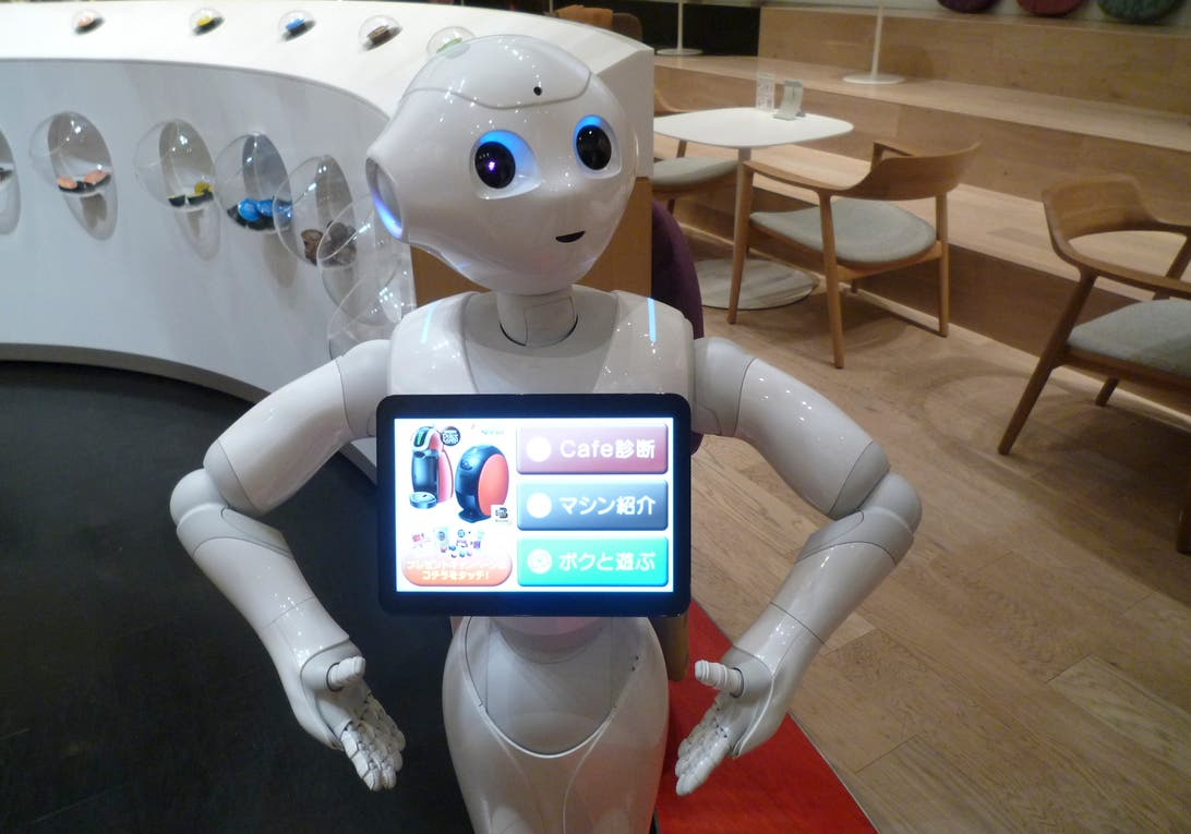 Cada vez más hoteles utilizan robots en distintas funciones de servicio al huésped.