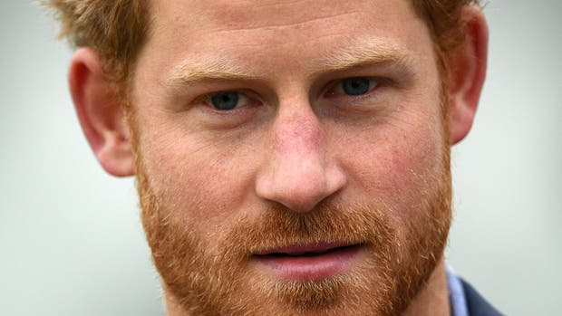 El prínicipe Harry dijo que duda que alguien de la familia real desee el trono