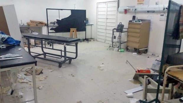 Los familiares de un fallecido destrozaron la guardia del hospital de Solano
