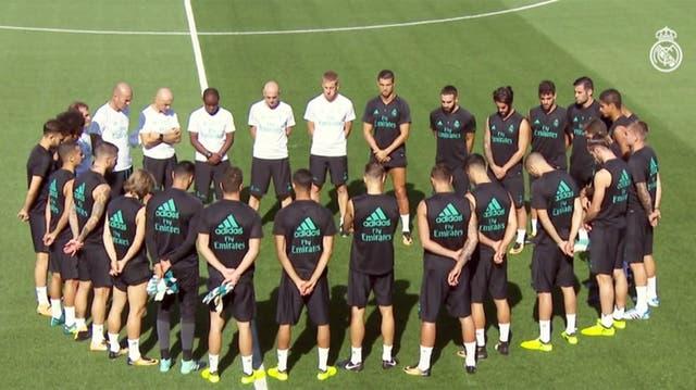 El plantel dirigido por Zidane y su minuto de silencio