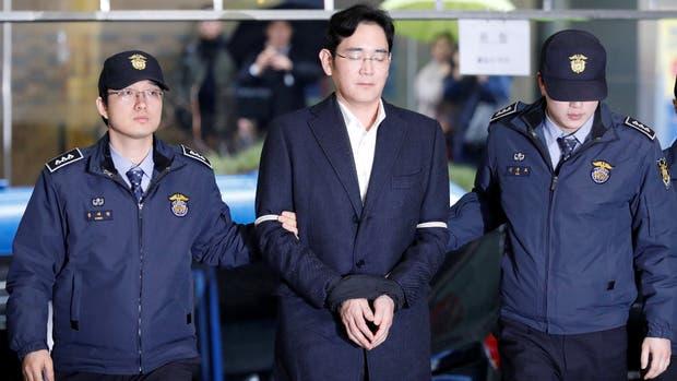 Samsung se hunde más en un megacaso de corrupción que afecta a Corea del Sur