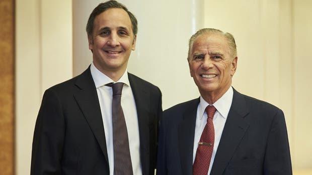 Marcos y Alejandro Bulgheroni, tras la firma del acuerdo