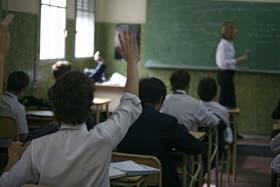 Elegir una escuela sin conocer sus resultados académicos, una tarea difícil para los padres argentinos