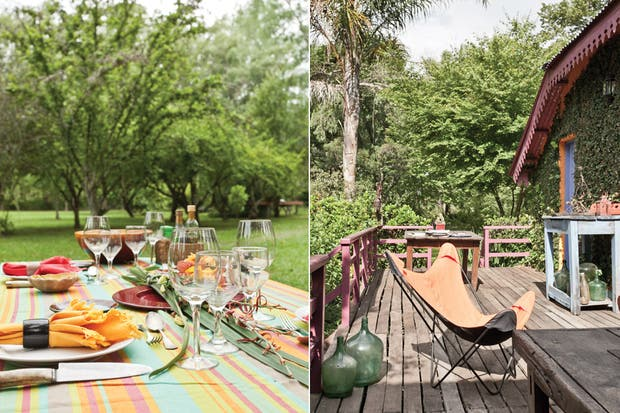 La mesa y los bancos de madera vienen de la casa de la abuela de Richard, en Martínez. Mantel (Okko)..