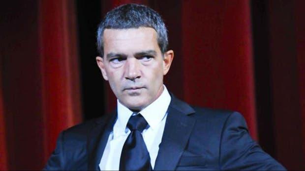 Antonio Banderas, nuevamente internado