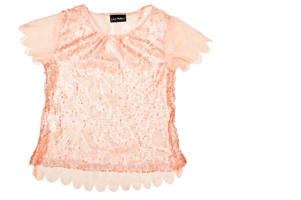 Blusa con paillettes (Las Pepas, $399)..