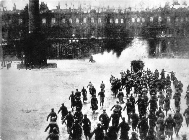 Imagen de Octubre, film donde Serguéi Eisenstein indaga en los inicios de la revolución soviética