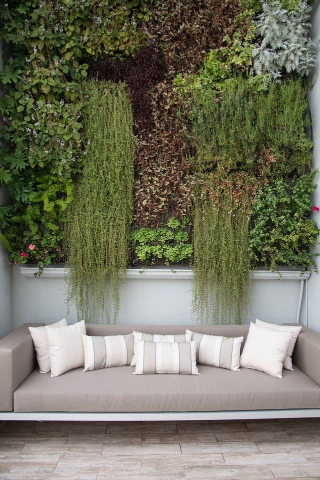 10 techos verdes y jardines verticales para inspirarse for Techos verdes y jardines verticales