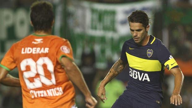 Por juego y experiencia, Gago se erigió como el único referente de peso en el Boca 2017