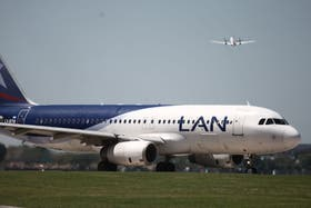 Cada vez más recurrentes los conflictos entre LAN y Aerolíneas