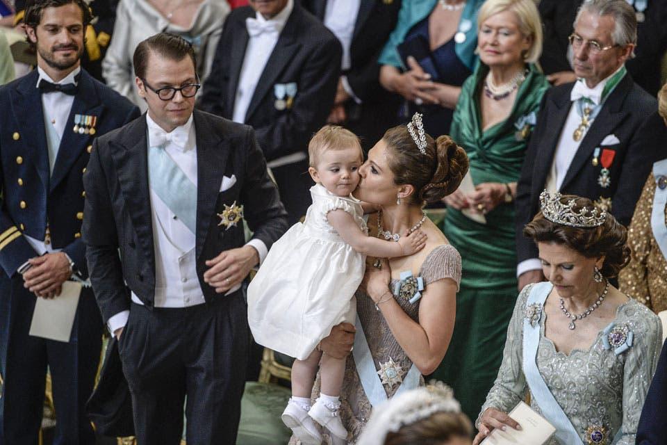 La princesa Estelle, hija de Victoria, fue otra de las protagonistas de la ceremonia. Foto: /AP