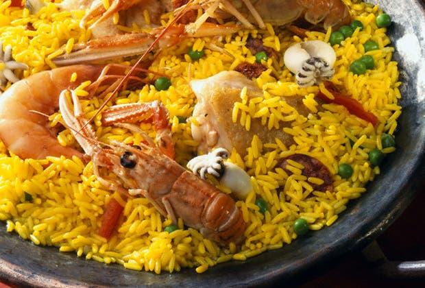 Es una de las semillas más extendidas en la gastronomía mundial por su valor nutritivo y por su versatilidad. ¿Qué tipo de arroz te gusta más? ¿Cuál es tu plato con arroz favorito? Contanos.