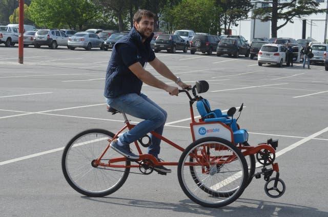 Diego Blas y su prototipo original de ErniBike