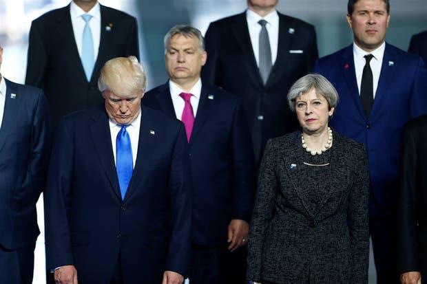 Entre las primeras damas de la OTAN aparece el 'primer caballero'