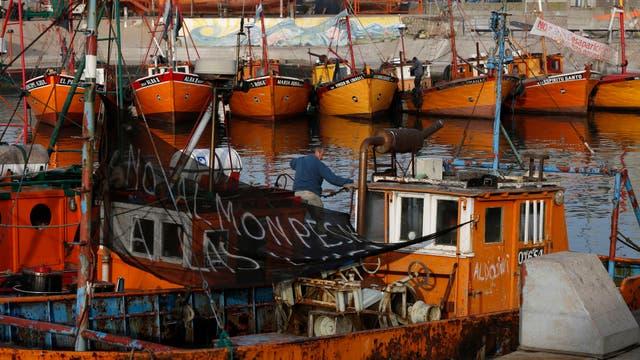 """Desaparecen las lanchas pesqueras del puerto de Mar del Plata, las tradicionales """"lanchas amarillas"""" están al borde de la extinción. Foto: LA NACION / Mauro V. Rizzi"""