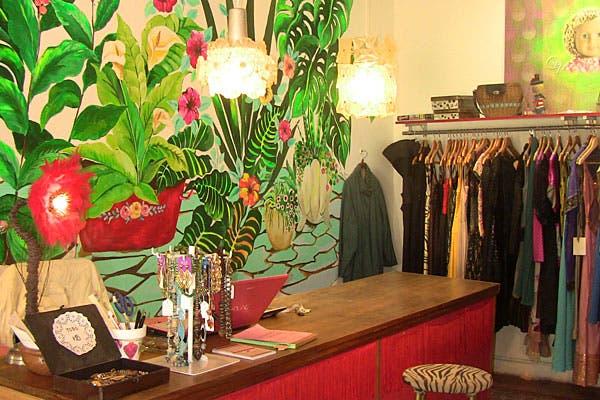 El local está ambientado con mucho color y objetos retro. Foto: Cecilia Wall
