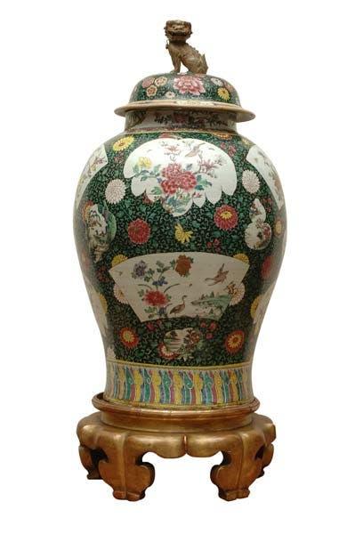 Tibor con tapa y perro de fô, porcelana china, siglo XVIII