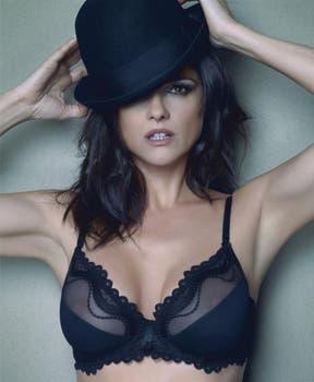 ¿Quién mejor que ella? Araceli, muy seductora para su línea de ropa íntima.. Foto: gentileza Araintimates