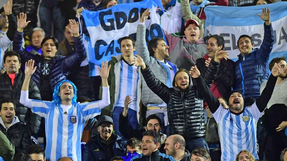 Los argentinos alentaron a la selección durante todo el partido