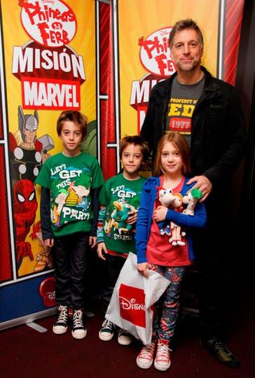 Por los chicos. Horacio Cabak fue con sus tres hijos a disfrutar de las nuevas aventuras de Phineas y Ferb. Foto: Disney