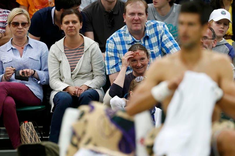¿Tan sexy ibas a ser Novak? (PD: mención aparte para la señora de los anteojos). Foto: Fotos de EFE, AP, AFP y Reuters