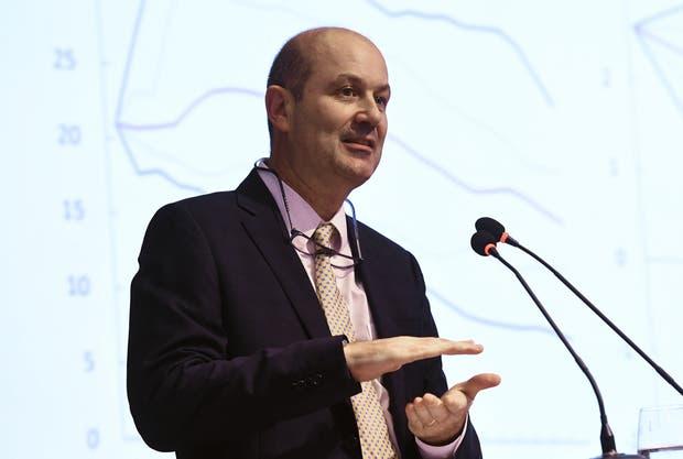Sturzenegger, ayer, en conferencia de prensa