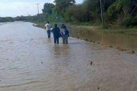 400 familias están aisladas en Tucumán