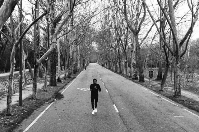 Zersenay Tadese en pleno entrenamiento, rodando a bajas pulsaciones