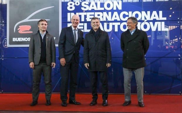 De Andreis, Maier, Macri y Cabrera, ayer, en el Salón del Automóvil