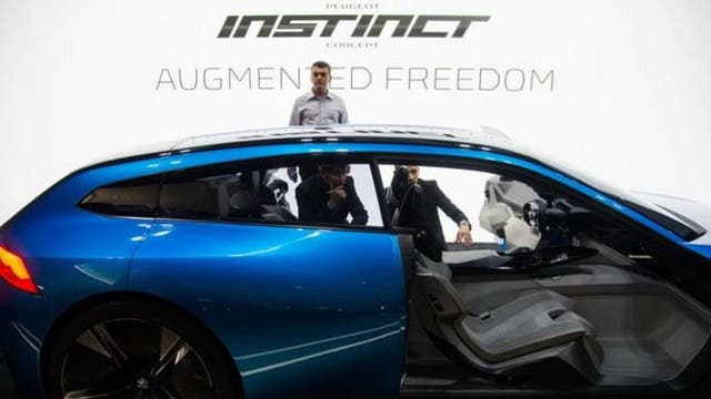¿Son los autos una especie de smartphones con ruedas?