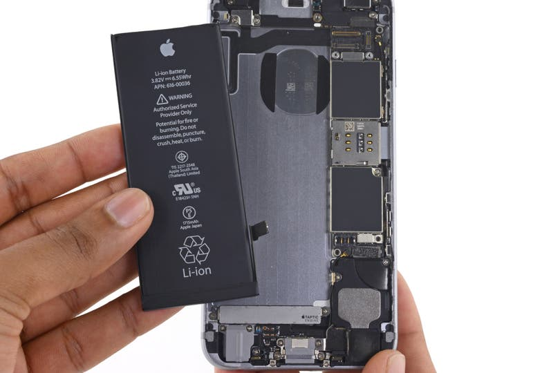 Investigan a Samsung y Apple por obsolescencia programada en Italia