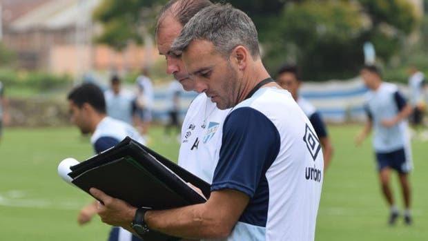 Pablo Lavallén dejó su cargo en Atlético