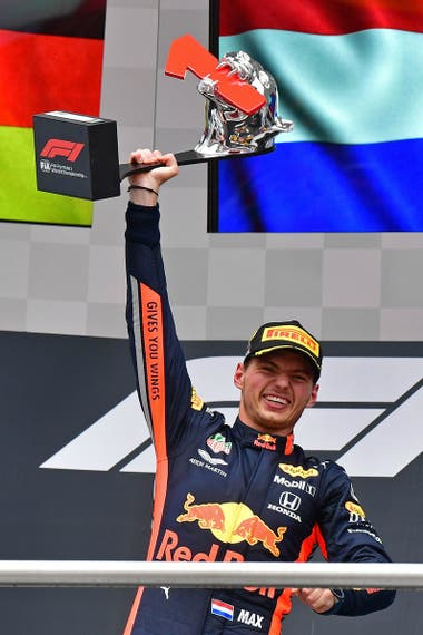 El segundo triunfo de Verstappen en el año y el séptimo de su trayectoria; el neerlandés lleva 20 carreras sucesivas sumando puntos.