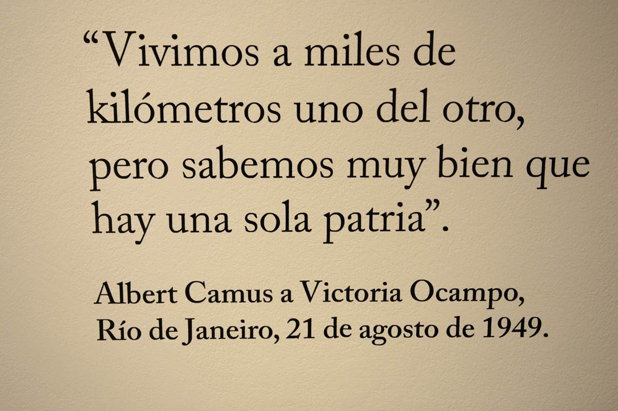 Camus Vive En Una Muestra De La Biblioteca Nacional La Nacion