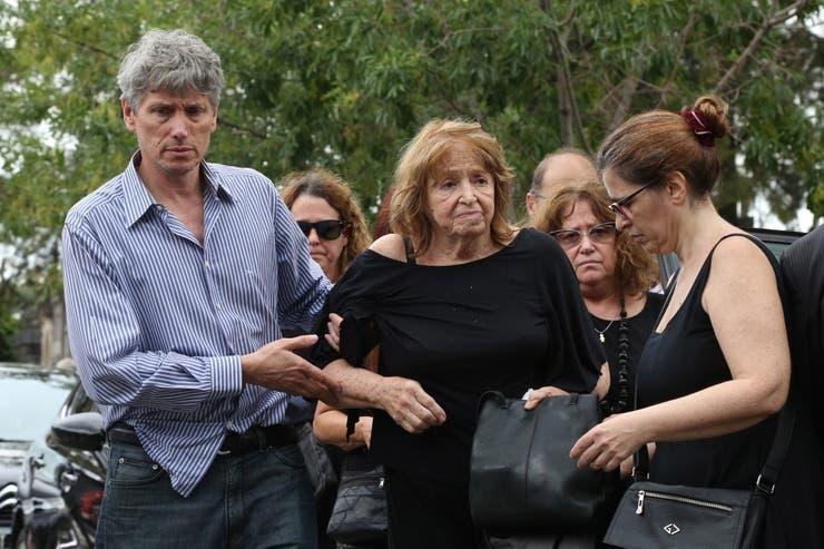 La madre de Pérez Volpin estuvo todo el tiempo contenida por su familia