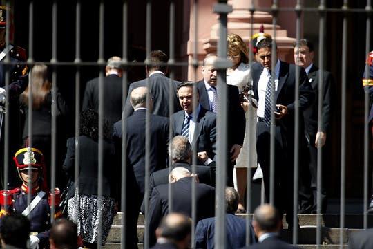 Gran cantidad de políticos, amigos y allegados se acercaron a darles las condolencias a la familia Kirchner. Foto: LA NACION / Rodrigo Néspolo