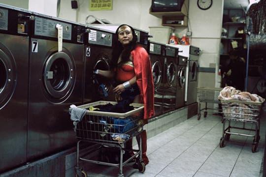 La mujer maravilla, es Maria Luisa Romero, del Estado de Puebla, trabaja como lavandera es Brooklyn, y manda 150 dolares por mes. Foto: www.dulcepinzon.com