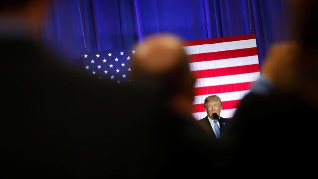 El Presidente de los Estados Unidos, Donald Trump, hace una declaración sobre los cambios en el código tributario estadounidense en el recinto ferial estatal de Indianápolis, Indiana